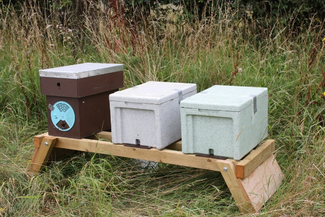 Hive Stand Designs : Double hive stand